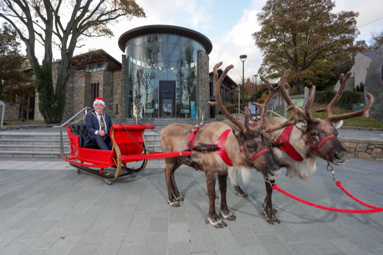 Councillor Mark Murnin gets ready for the Christmas season.