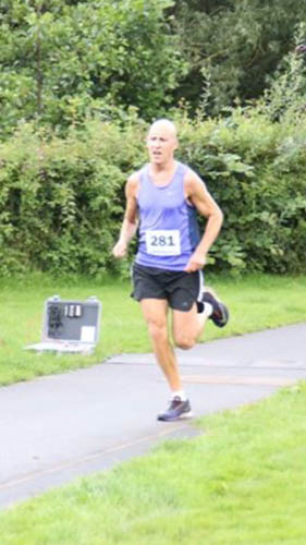 Lee Maginnis during the Crawfordsburn 5k Trail Race.