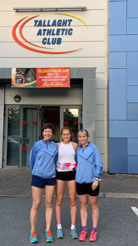 Joanne McCauley, Meadow McCauley and Sarah Jane Beattie at the Dublin Graded Meet in Wednesday evening.