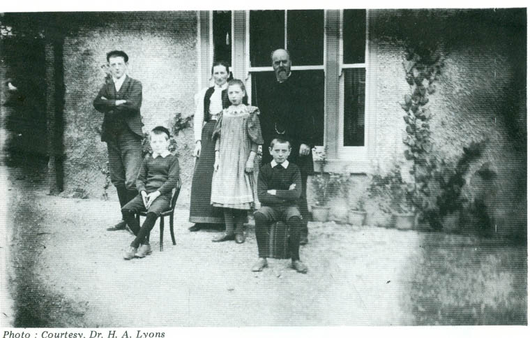 The Rev. and Mrs Alexander Lyons with their children at Rockview Manse c.1895. The children (left to right) were James (born 1879), Henry (born 1886), Ida (born 1883) and Nevin (born 1884).  Courtesy of Alex Lyons